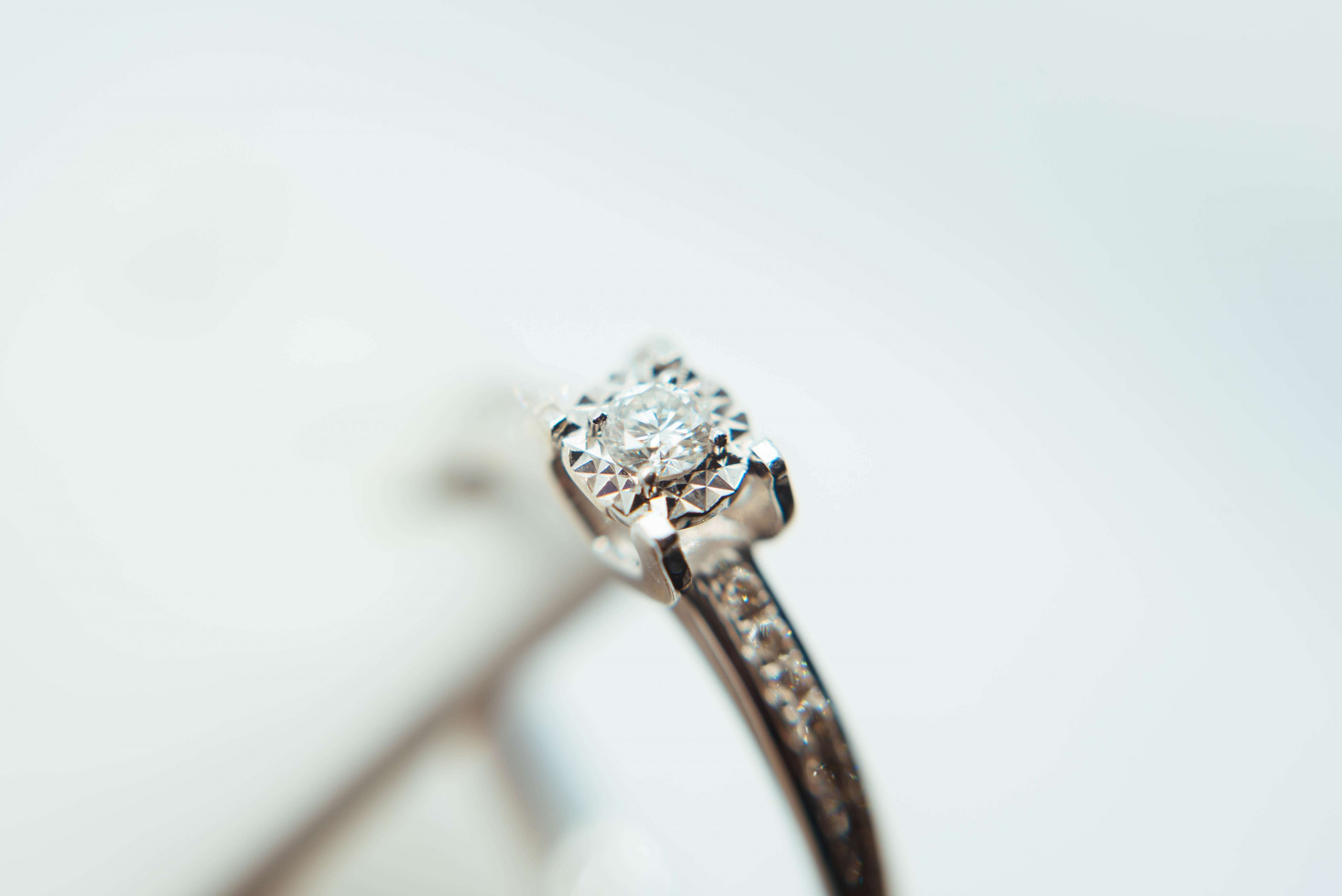 Minimal Luxurious Collection of Diamond Rings